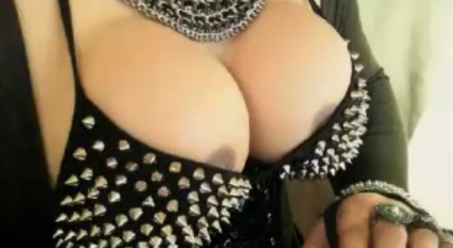 Two big shemale boobs from Berlin