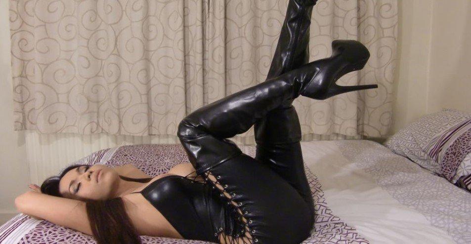 Ladyboy Jasmin in black with a secret