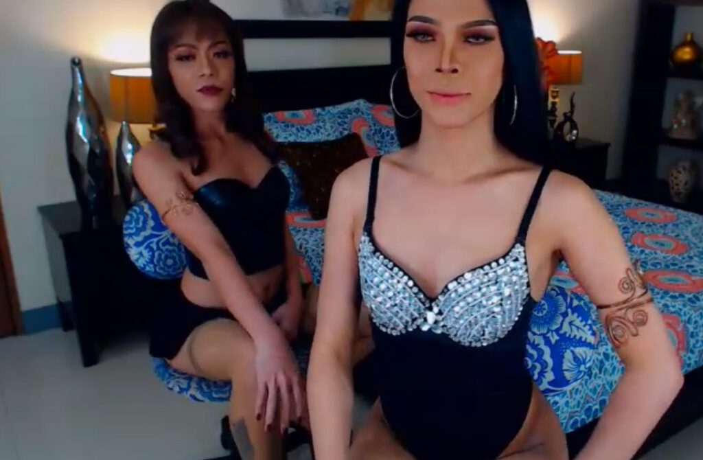 Ladyboys 23 years old and in black lingerie